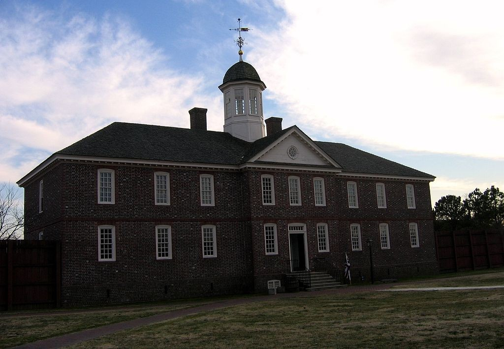 1024px-Eastern_state_hospital_1