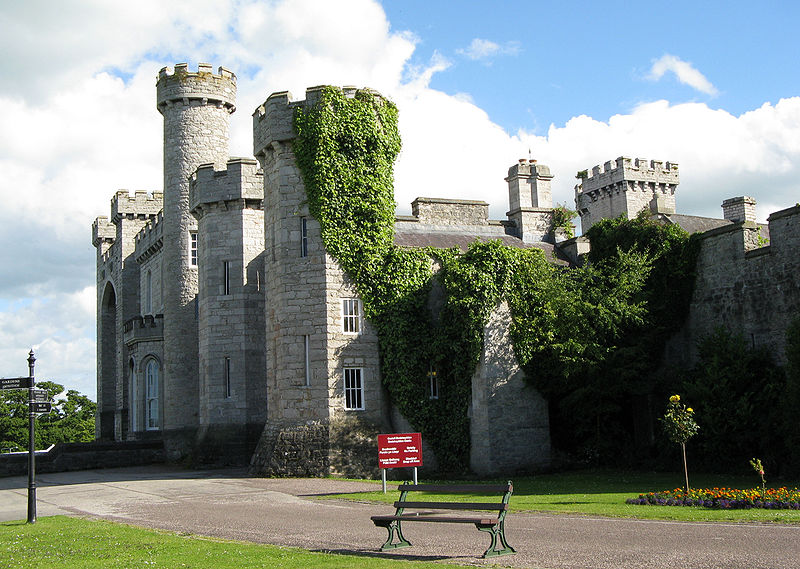 800px-Bodelwyddan_castle_view2_arp