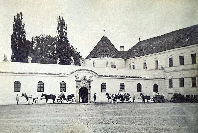 800px-Bontida_Castle_in_1890-4