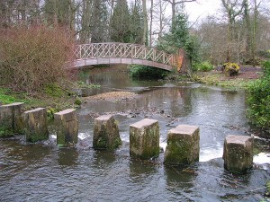 800px-Harewood_stepping_stones
