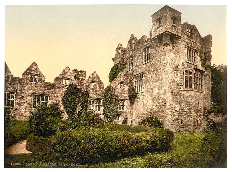 Donegal_Castle._County_Donegal,_Ireland-LCCN2002717385