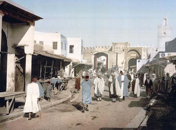 Street_in_Kairouan_-_Tunisia_-_1899