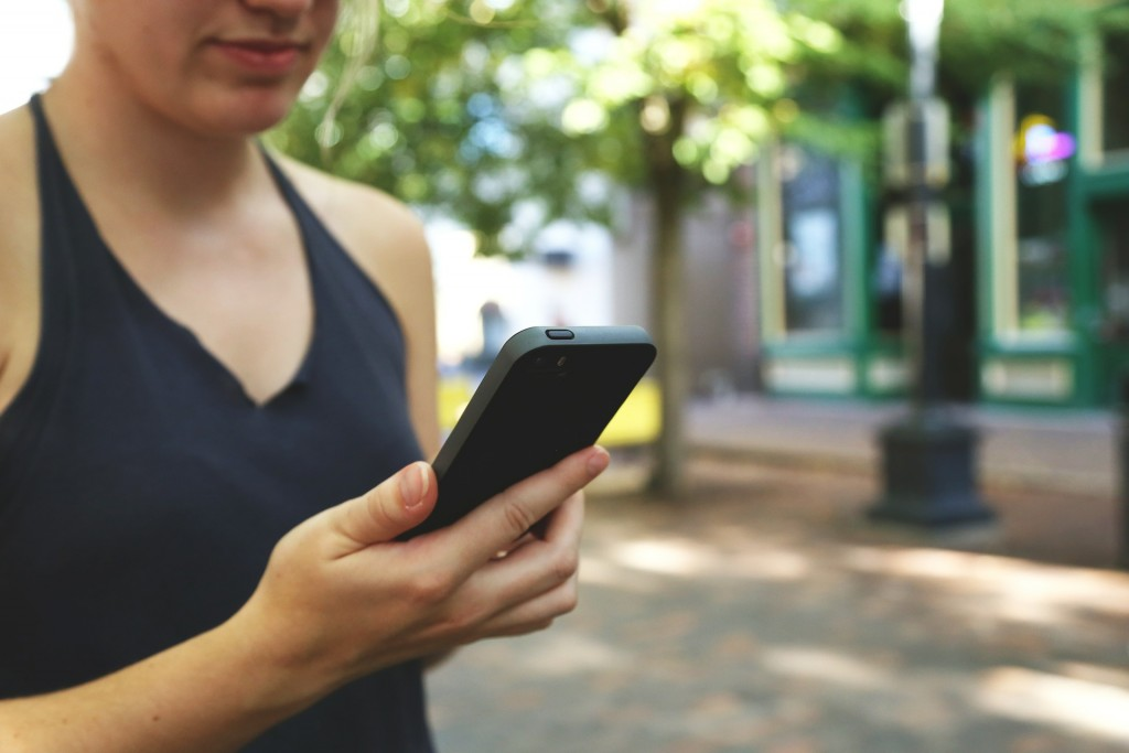 smartphone-593348_1920