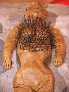 Doll_with_pins_in_it,_Museum_of_Witchcraft