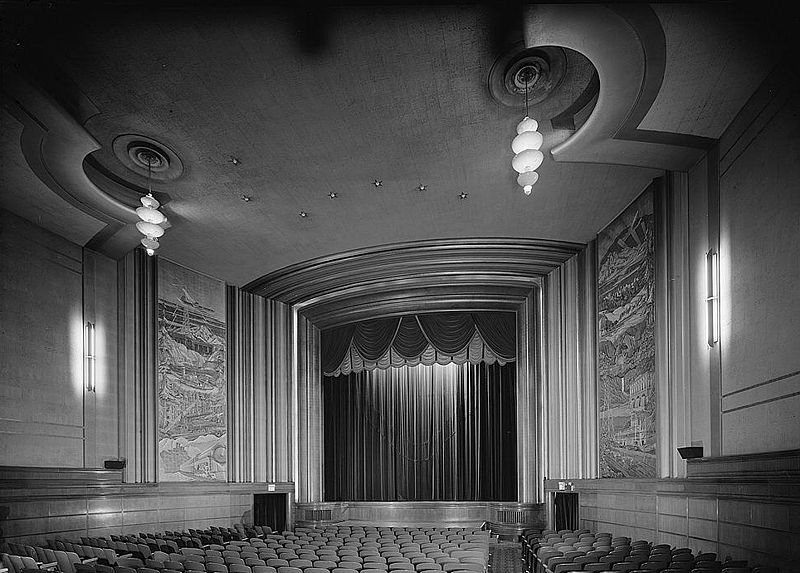 Avenue_Theater_interior