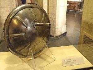 Gun-shield,_perhaps_Italy,_circa_1540_-_Higgins_Armory_Museum_-_DSC05680 ancient weapons