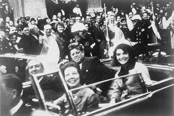 John_F._Kennedy_motorcade,_Dallas