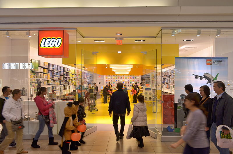 LEGOStoreFairviewMall10