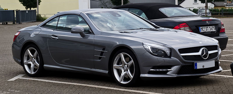 800px-Mercedes-Benz_SL_500_BlueEFFICIENCY_Sport-Paket_AMG_(R_231)_–_Frontansicht,_8._August_2012,_Velbert