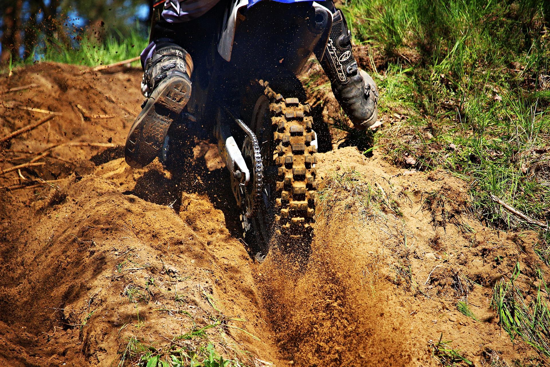 motocross-1376767_1920 street races