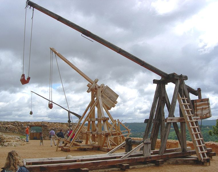 siege engines-trebuchet_castelnaud