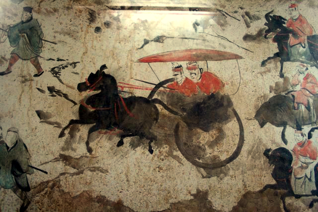 gvhEastern_Han_Dynasty_tomb_fresco_of_chariots,_horses,_and_men,_Luoyang_2