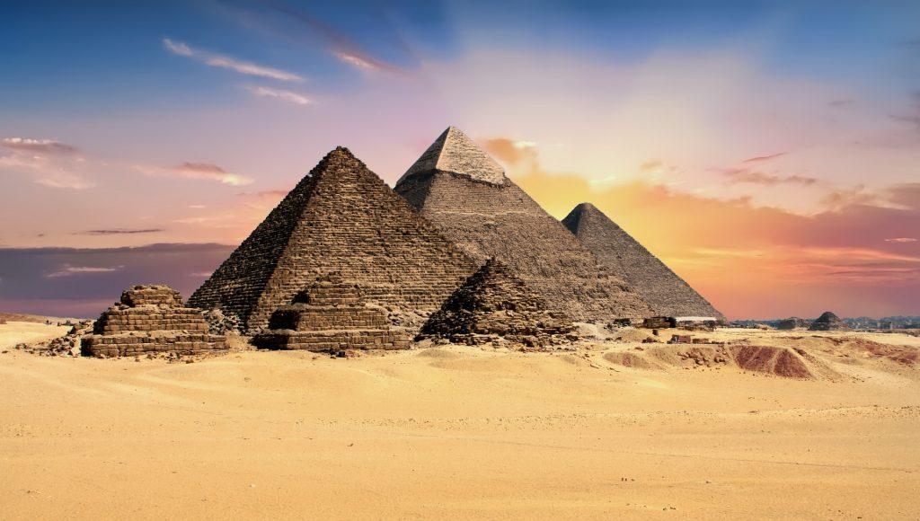 mysterious pyramids-2159286_1920