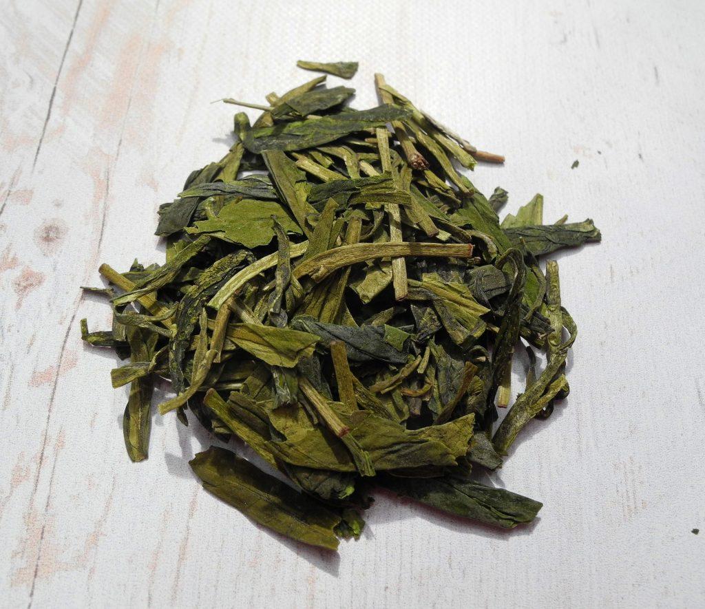 tea-leaves-2324079_1920