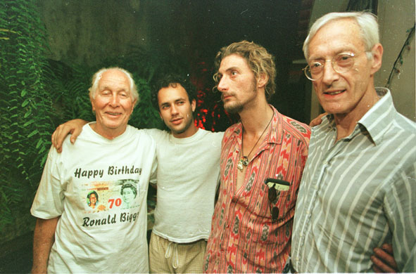 Ronnie-Biggs-celebrates-70th-birthday-1999
