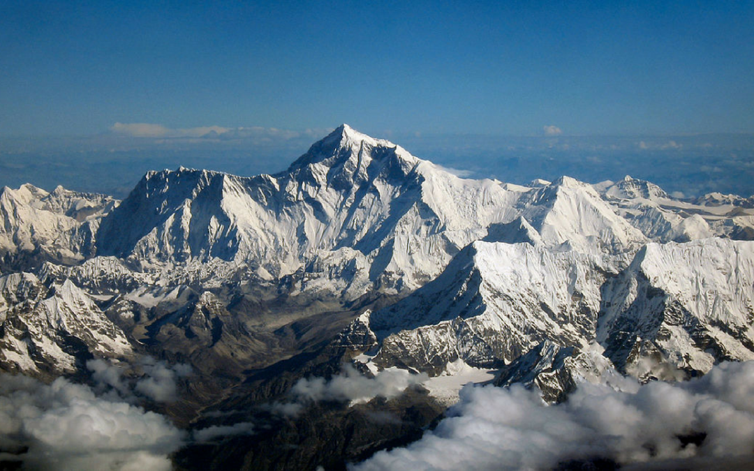 10 Most Badass Everest Climbers With Crazy Stories