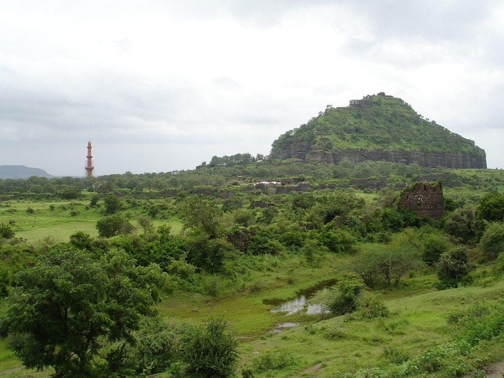 1200px-Aurangabad_-_Daulatabad_Fort_(95)