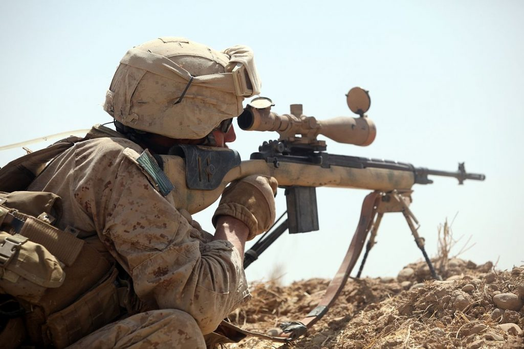 US_sniper_during_a_firefight_in_Northern_Trek_Nawa,_Afghanistan
