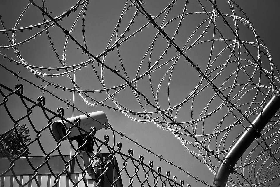 barbed-wire-1670222_960_720