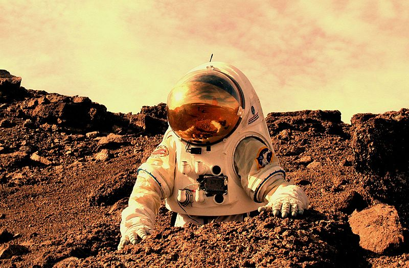 Astronaut_working_on_Mars colony