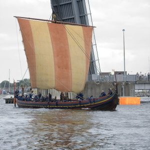 VIKING_LONGSHIP_'SEA_STALLION'_ARRIVES_IN_DUBLIN