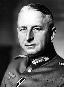 Bundesarchiv_Bild_183-H01757,_Erich_von_Manstein