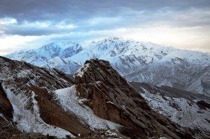 800px-Iran_-_Qazvin_-_Alamout_Castle_View