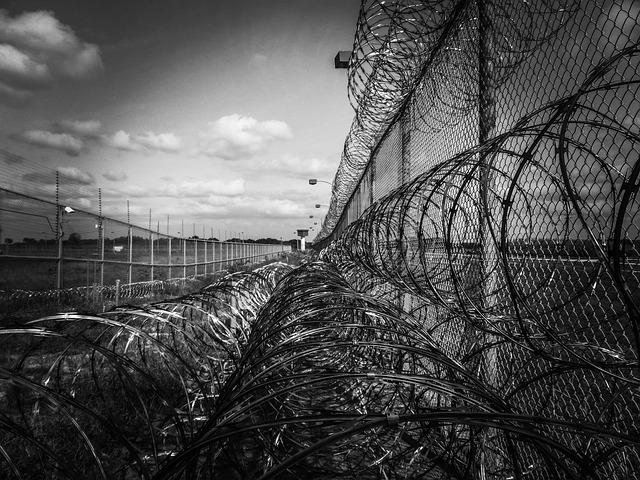 prison-fence-219264_640